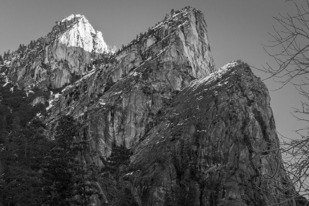 Yosemite's Three Brothers peaks at sunrise, in monochrome | LotsaSmiles Photograhy