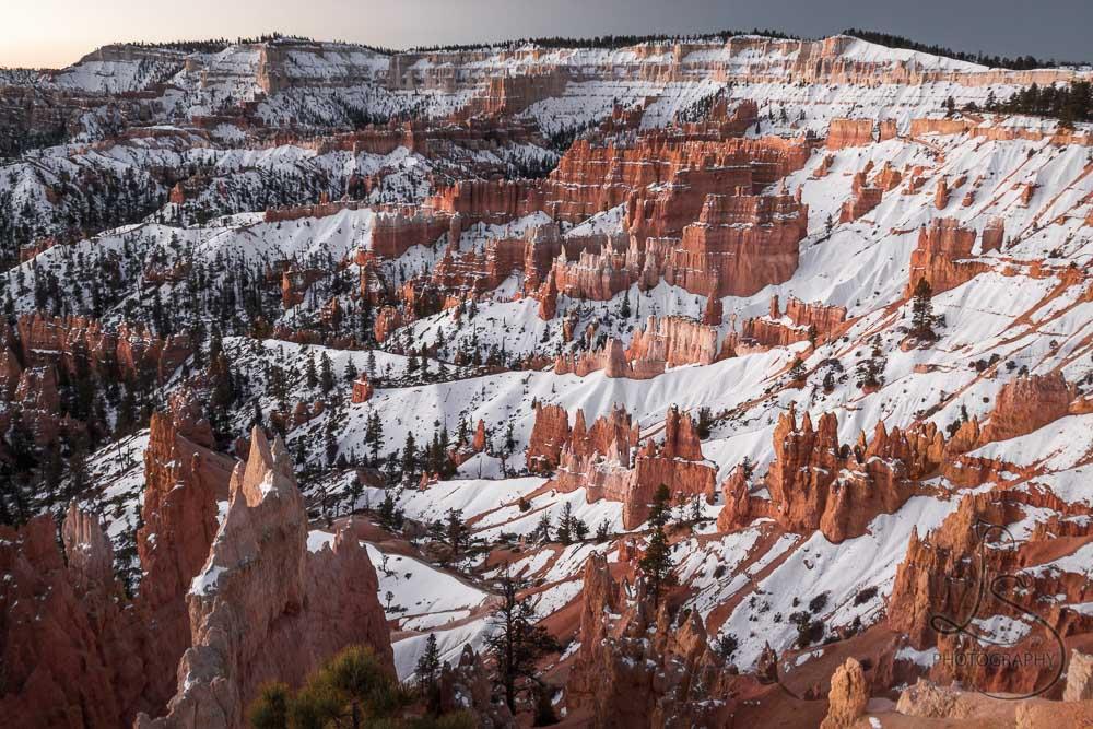 Snowy Bryce Canyon at sunrise | LotsaSmiles Photography